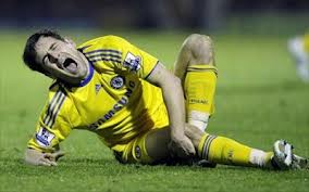 giocatore trauma ginocchio